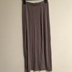 ✨5 for $25! H&M Grey Maxi Skirt With Slit Front